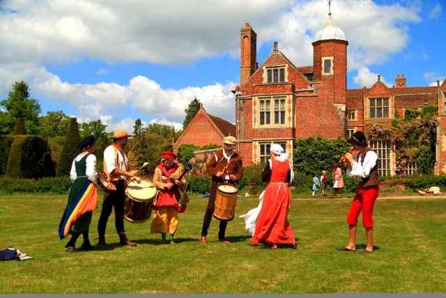 Kentwell Tudor Reenactment Days 2015